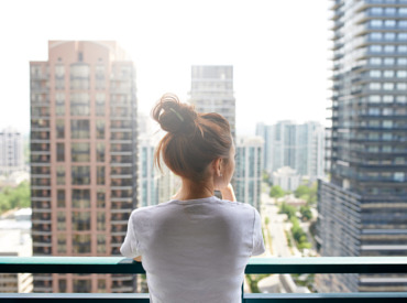 Everyday exposome: how city living can affect sensitive skin
