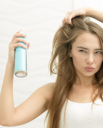 What is dry shampoo and what benefits does it provide hair?