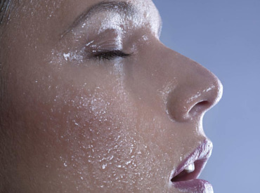 How thermal water helps soothe sensitive skin