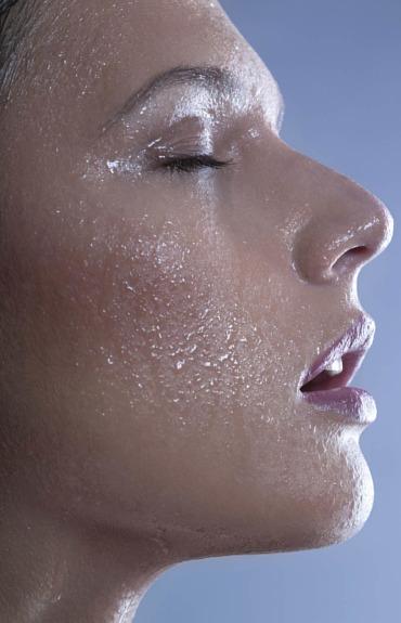 How thermal water helps soothe sensitive skin