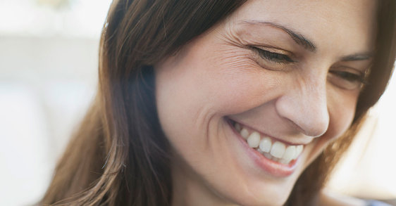 What are the common causes of wrinkles and how can you prevent them?