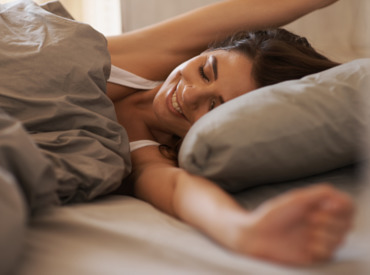 10 tips on how to sleep well and wake up with radiant looking skin