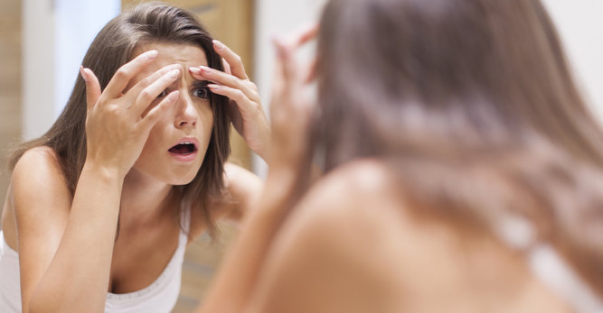 Anti-aging facial massage: a minute a day keeps the wrinkles away